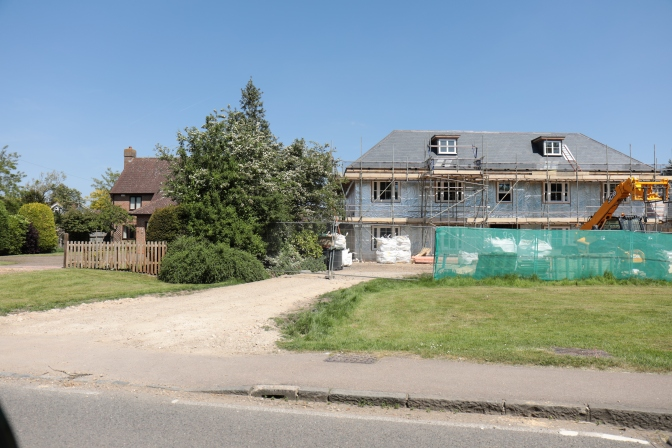 PROPOSED REPLACEMENT PROPERTY ON MAIN ROAD INAPPROPRIATE TO IT'S SETTING – update 1 September
